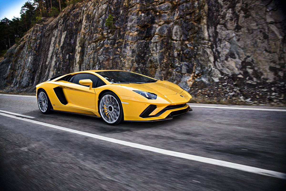 The New #Lamborghini #AventadorS makes its debut at the Winter Accademia