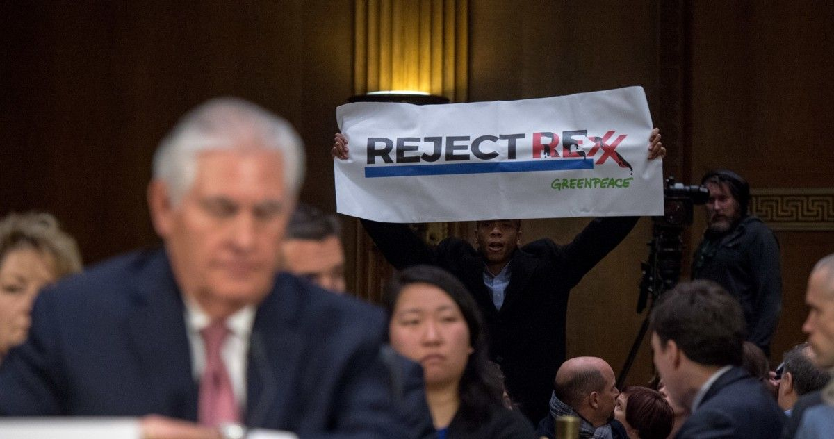 Environmental groups unite around a common goal: Stop Trump's #climate denying nominees  http:// buff.ly/2k14ybW  &nbsp;   #ActOnClimate #rejectREX <br>http://pic.twitter.com/z5rTyKlxbH