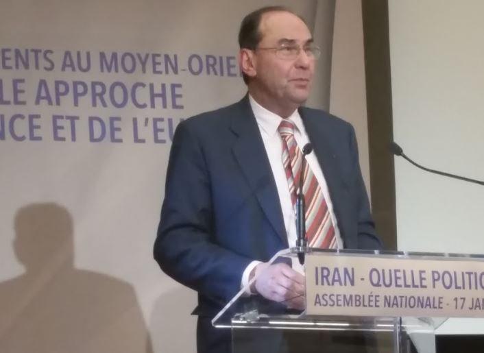 .@VidalQuadras Le régime #Iran dit vouloir daloguer avec UE mais ne laisse pas entrer le rapporteur ONU &amp;exécute toujours+ #DirectAn #Paris<br>http://pic.twitter.com/yAPNRq6PkL