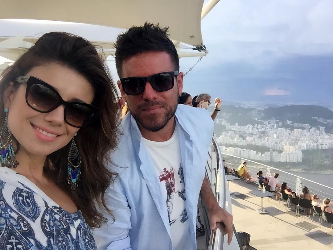 Ainda sobre ontem e a nossa tarde de passeio! @pablolopezmusic está encantado pelo Brasil! #dospalabras #duaspalavras #clipe #gravacao #rj <br>http://pic.twitter.com/rUxuGJYszI