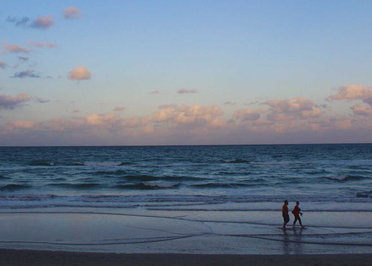 RT @nappywulf: #FLTravelChat Fort Lauderdale Beach. #PhotosByWulf https://t.co/ctdSNk9xZu