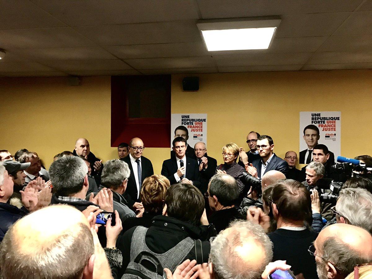 En #Bretagne, comme partout en #France, détermination et mobilisation pour faire gagner la #gauche avec @manuelvalls #Lamballe<br>http://pic.twitter.com/OPm3GFVbXS