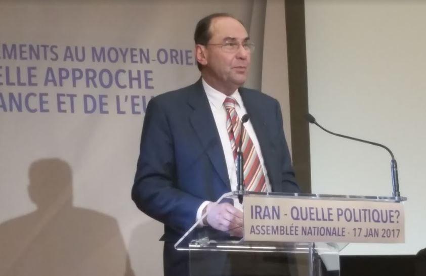 .@VidalQuadras Sans un #Iran libre, démocratique, pluraliste, laïc, cette zone du monde ne connaitra pas la paix #FreeIran #DirectAN #Paris<br>http://pic.twitter.com/OL3JFx8w4w