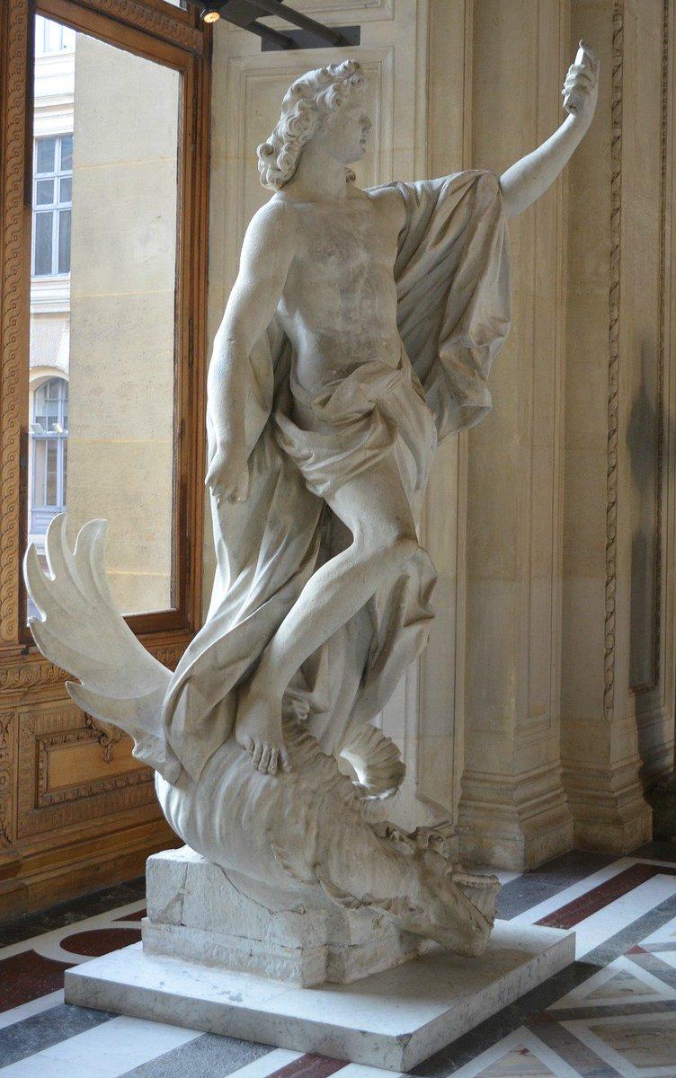 📷Venez au Louvre pour le #MuseumSelfie day demain ! 📱Visit the Louvre...