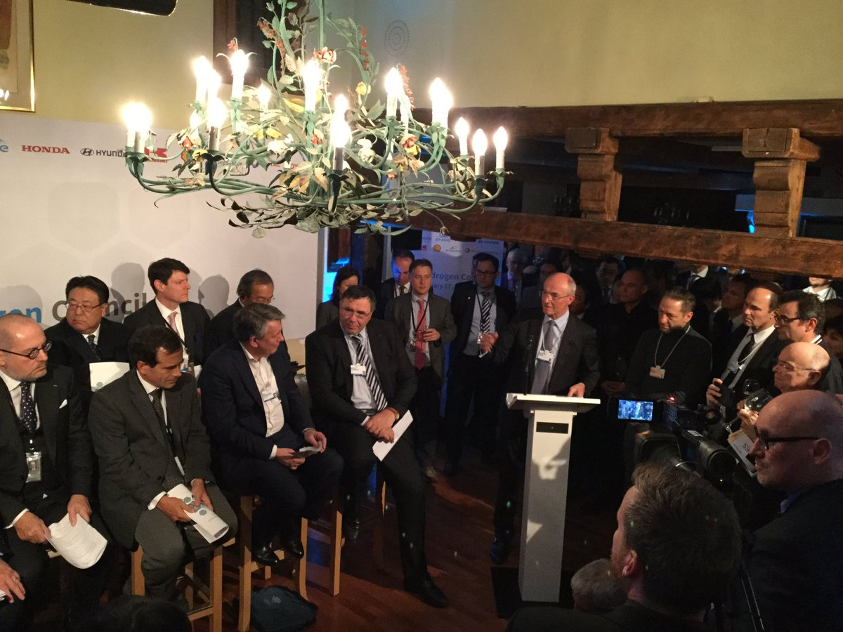 RT @Lecocq_dom The Hydrogen Council, a global initiative of 13 companies launched in #davos2017 tonight! #HydrogenNow #CleanFuell
