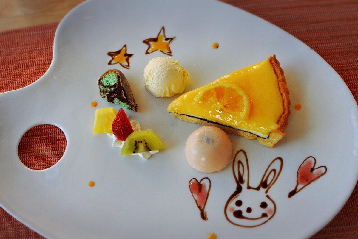 水曜日のランチはデザートランチ✨✨  本日のデザートは広島産レモンをたっぷりと使用したフレッシュレモンタルト🍋🍋🍋 きゅっと甘酸っぱさがたまらない😋