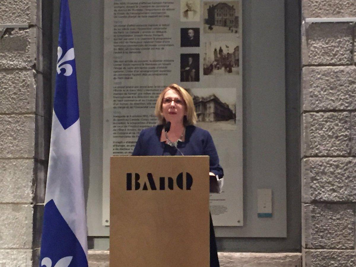 Le #Québec continuera à renforcer en 2017 ses liens privilégiés avec la #France comme la visite du PM Valls l&#39;a montré en oct&quot; @stpierre_ch<br>http://pic.twitter.com/vbRvsGMYA3