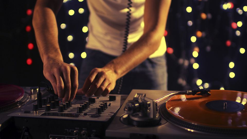 10 Things Never To Say To A DJ