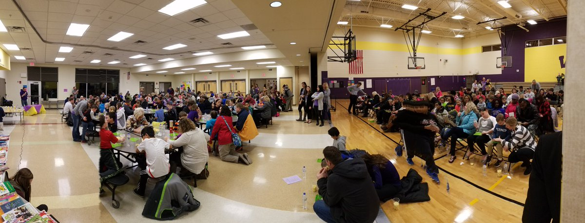 Huge crowd for our Family Leadership Night! #BingoForBooks #TLIM #GreatHappensHere<br>http://pic.twitter.com/91gz4QSSGs