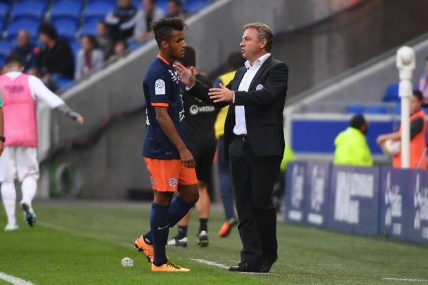Foot - L1 - MHSC - Montpellier : Morgan Poaty devrait signer son premier contrat pro  http:// dlvr.it/N7s5P8  &nbsp;   #Breaking #BreakingLive<br>http://pic.twitter.com/NhQqNfqcbJ