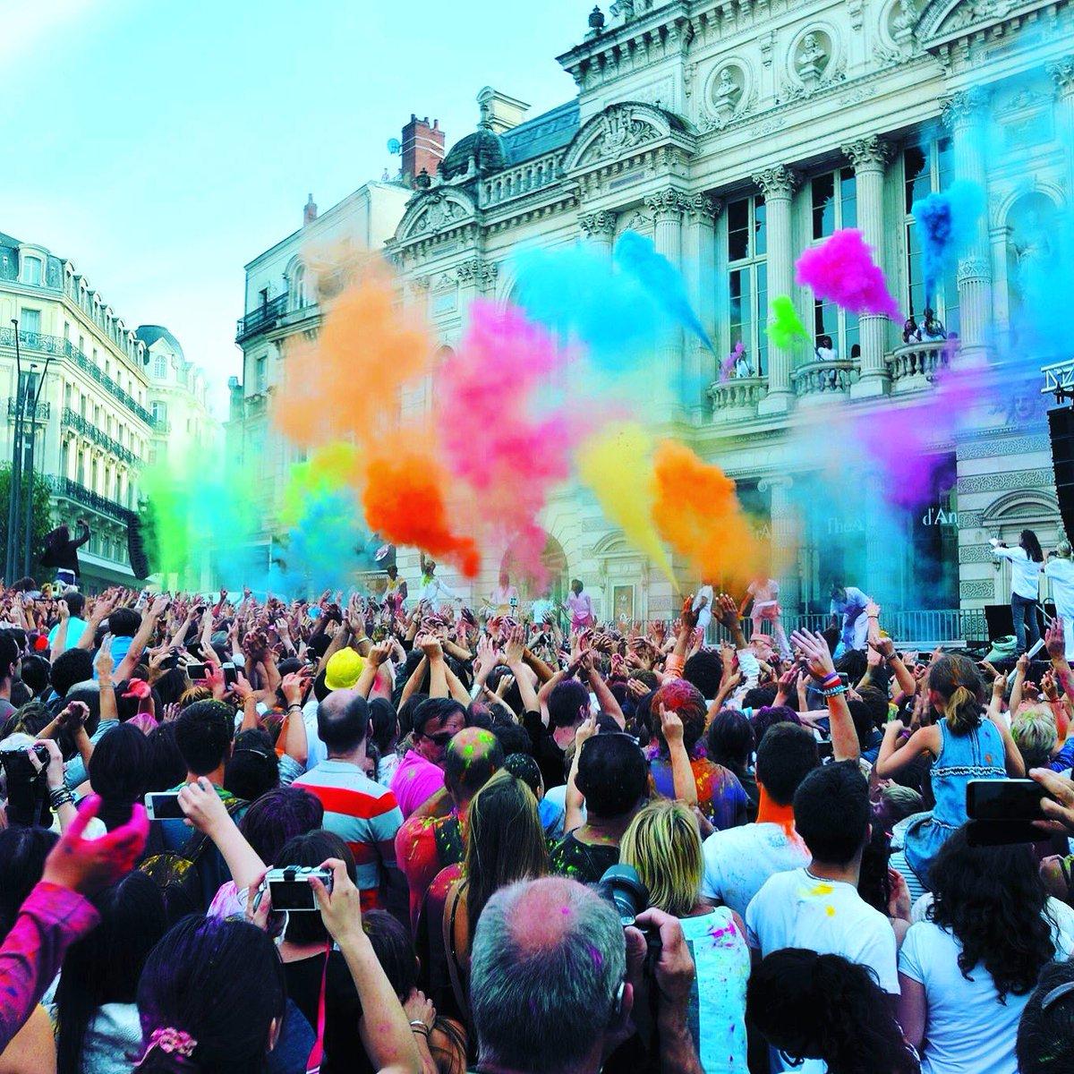 #TeatroAMilSanFelipe MAÑANA JUEVES 19 DE ENERO The color of time 19:30...