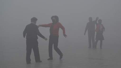 La #Chine #interdit les #alertes de #pollution de l&#39;#air #socialmedia #COP22  http:// fr.azvision.az/La-Chine-inter dit-les--32979-xeber.html#.WH8fak3TBcs.twitter &nbsp; … <br>http://pic.twitter.com/eQHDkjxjFU