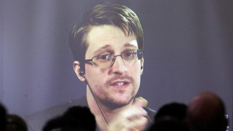 #Moscou : son droit d'asile prolongé, #Snowden ne sera pas «offert» à Donald #Trump  https:// francais.rt.com/international/ 32477-moscou-droit-dasile-snowden-etendu &nbsp; … <br>http://pic.twitter.com/RAYTsLmkBJ