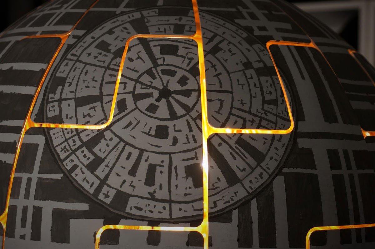Star Wars : comment transformer votre lustre IKEA en Étoile de la mort  http:// bit.ly/2jmS7Us  &nbsp;   #StarWars #Ikea #Tuto<br>http://pic.twitter.com/DpBggjP5qL