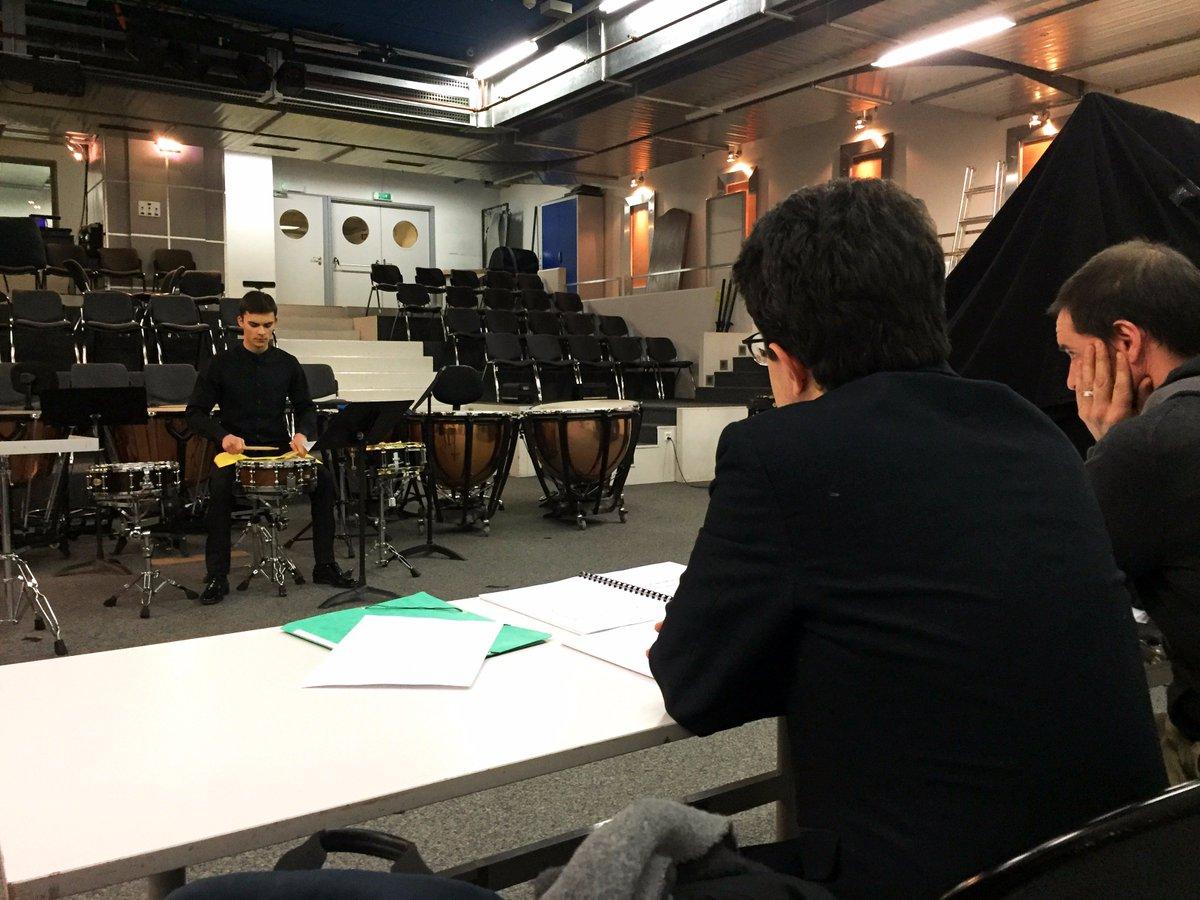 Comment se déroulent les  #auditions du Verbier Festival #Orchestra?  #insidelook   https://www. verbierfestival.com/news/  &nbsp;  <br>http://pic.twitter.com/RffNsckAtj