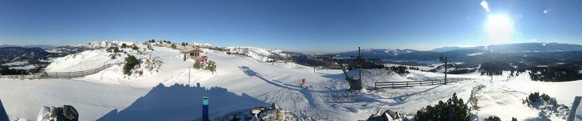 Panorama de ce matin !! Soleil et froid = super ambiance hivernale @LesAnglesSki  34 pistes ouvertes. Plus de pistes pour ce we c'est promis