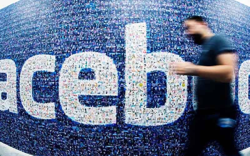 Facebook : arrêtez de copier-coller des statuts pour protéger votre vie privée, ça ne marche pas ! &gt;  http://www. papergeek.fr/facebook-relay er-des-posts-pour-proteger-vos-donnees-est-100-inutile-14901# &nbsp; …  #facebook <br>http://pic.twitter.com/fIiQLvN9DO