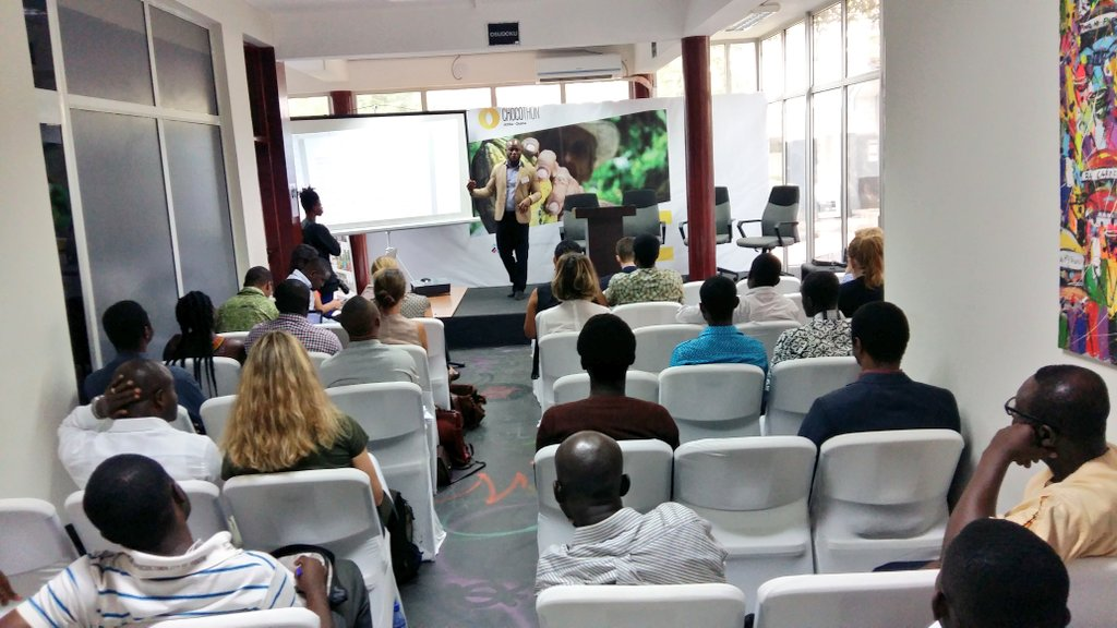 Cocoa contribution to Ghana's GDP is  about 7% and total export earnings is  25% - Mr. Awuni, PSD & Trade Specialist #chocothon https://t.co/rq5vnUNTnD