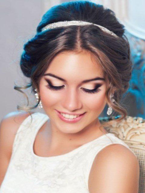 Свадебные прически для закрытых ушей
