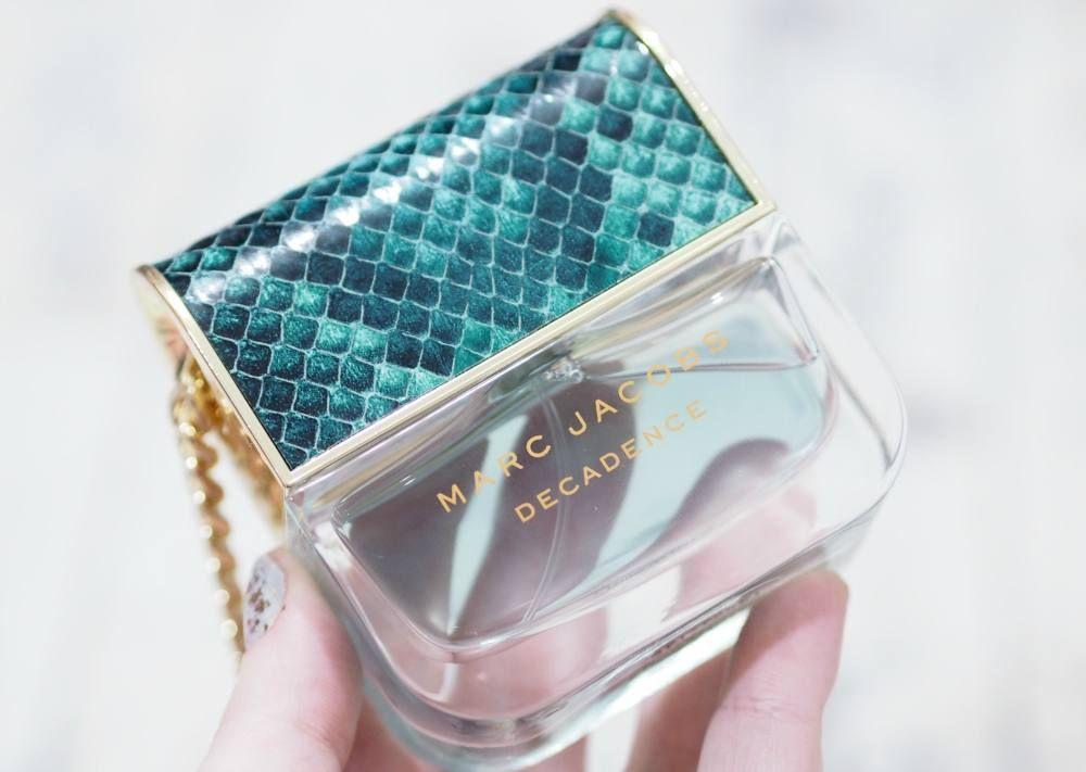 NEW! @marcjacobs Divine Decadence &amp; @LancomeUK La Vie Est Belle Fragrances from @ThePerfumeShop  http://www. missmakeupmagpie.com/2016/12/marc-j acobs-divine-decadence-and-lancome-la-vie-est-belle-fragrances.html &nbsp; …  #bbloggers <br>http://pic.twitter.com/kOzYMpEk6g