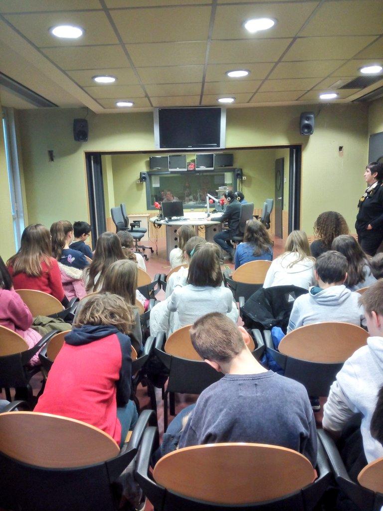 Fem programa en directe!! #jecasp #ràdio4 #rne #onair <br>http://pic.twitter.com/TAdvCilxpN