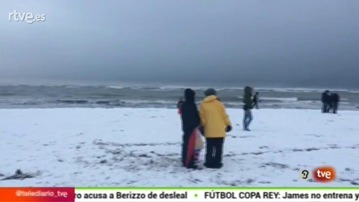 La #oladefrío cubre de nieve las playas de Alicante y Murcia https://t...