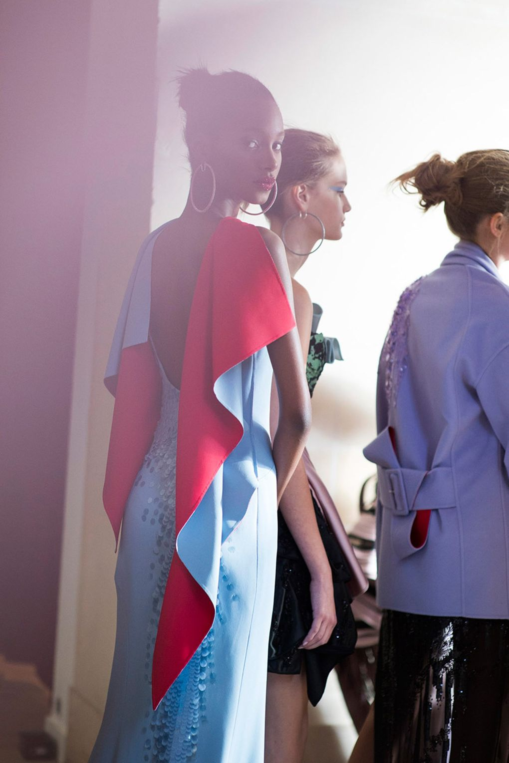 Why Donatella's couture designs won't be on the catwalk this weekend: https://t.co/Q9vozYHl4a https://t.co/KFpGH39u0J