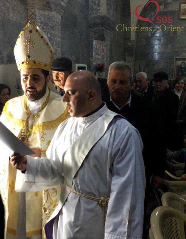 #Irak, les volontaires @SOSCdOrient assistent à la cérémonie en l&#39;honneur de Saint Antoine, célébrée au Monastère Rabban Hormizd d&#39;#Alqosh.<br>http://pic.twitter.com/Ve0wcwnlb1
