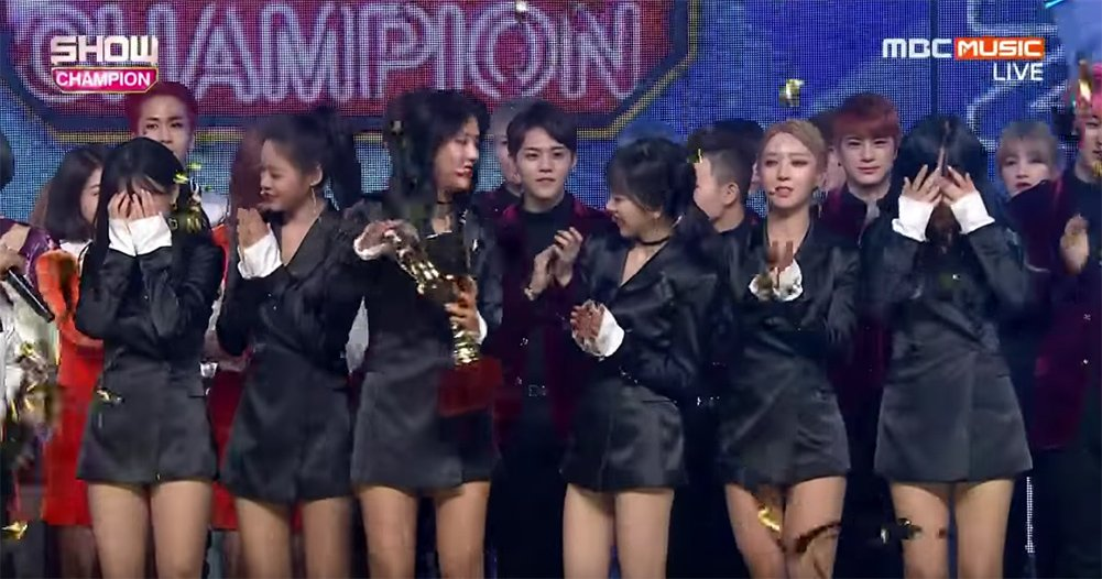 #AOA shed tears after winning first #1 for \'No Excuses\' on Show Champion