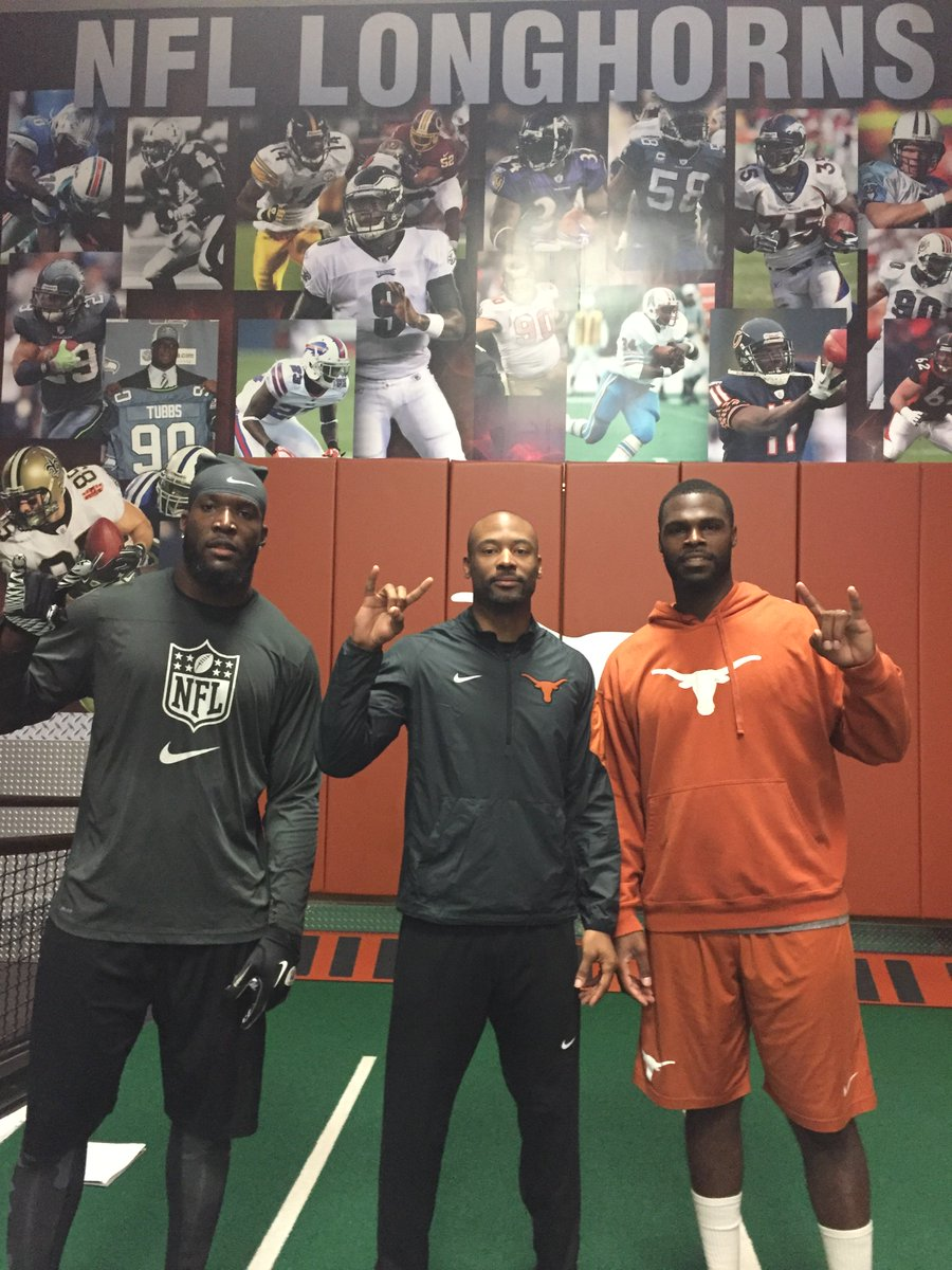 It's good seeing 2 of the best edge rushers in Texas history back on campus. @rak98 #timcrowder #TexasTrained https://t.co/cne4M1wrr3