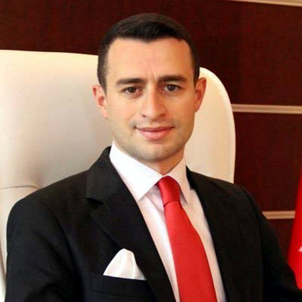 Beytüşşebap eski Kaymakamı Kadir Güntepe gözaltına alındı https://t.co...