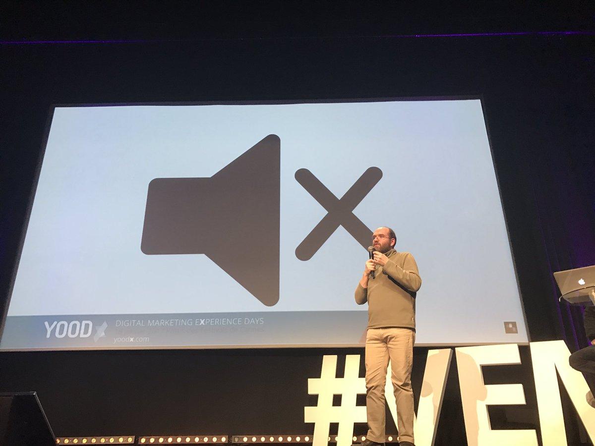 80% des contenus facebook se consultent sans son, d&#39;où l&#39;intérêt des sous titres #seo #YOODx @fhouste #socialmedia <br>http://pic.twitter.com/I3ePLh60SH