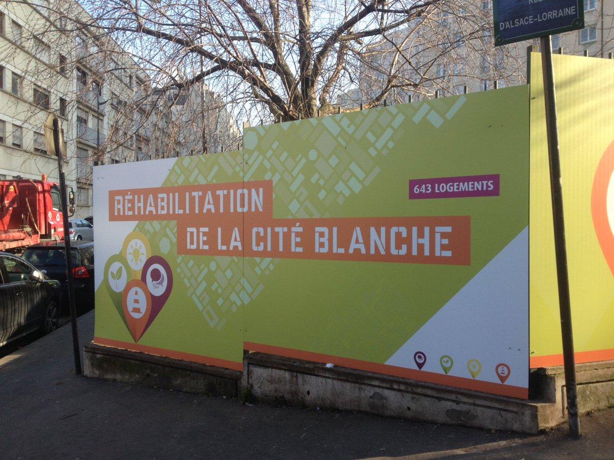 Les travaux de #réhabilitation de #CitéBlanche se poursuivent. Livraison prévue fin 2018.  #PlanClimat <br>http://pic.twitter.com/F7ruVOI8p7
