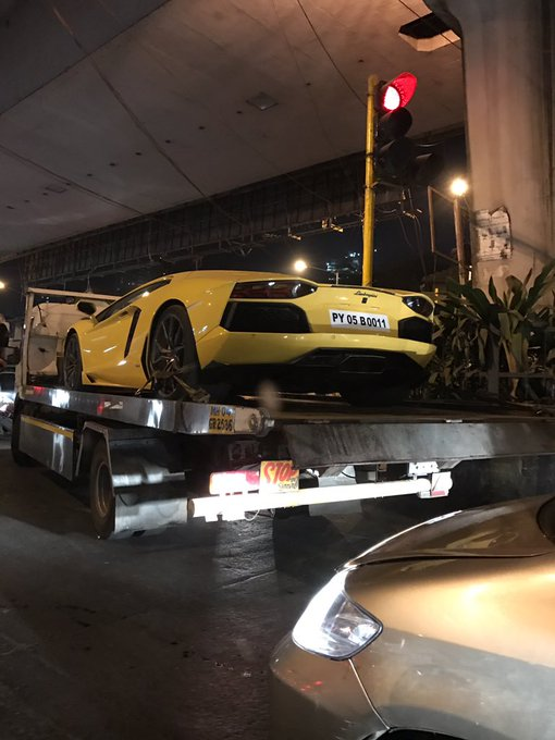 How often do you see a Lamborghini being towed by Traffic Police for wrong parking?? https://t.co/JLrzUlcPGn