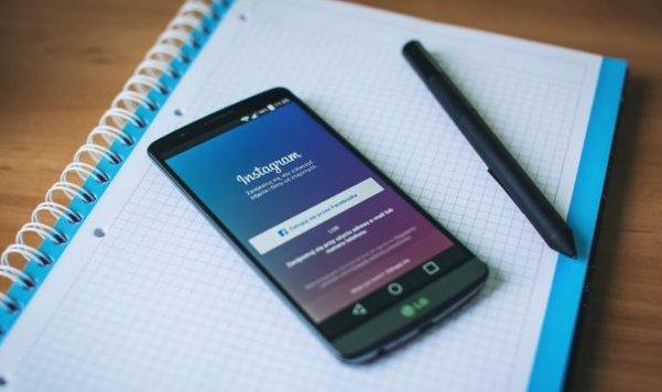 [#SocialMedia] Focus [pertinent] sur les compétences, formation et carrière des community managers  http:// bit.ly/2k3VQd4  &nbsp;   #CouteauSuisse<br>http://pic.twitter.com/oc6GTd3BF9