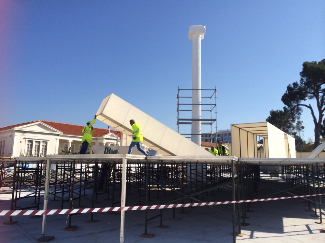 Set under construction for @pafos_2017 and dancers looking great in rehearsal #Cyprus #Paphos #EuCapitalofCulture https://t.co/jl1jsM51jA