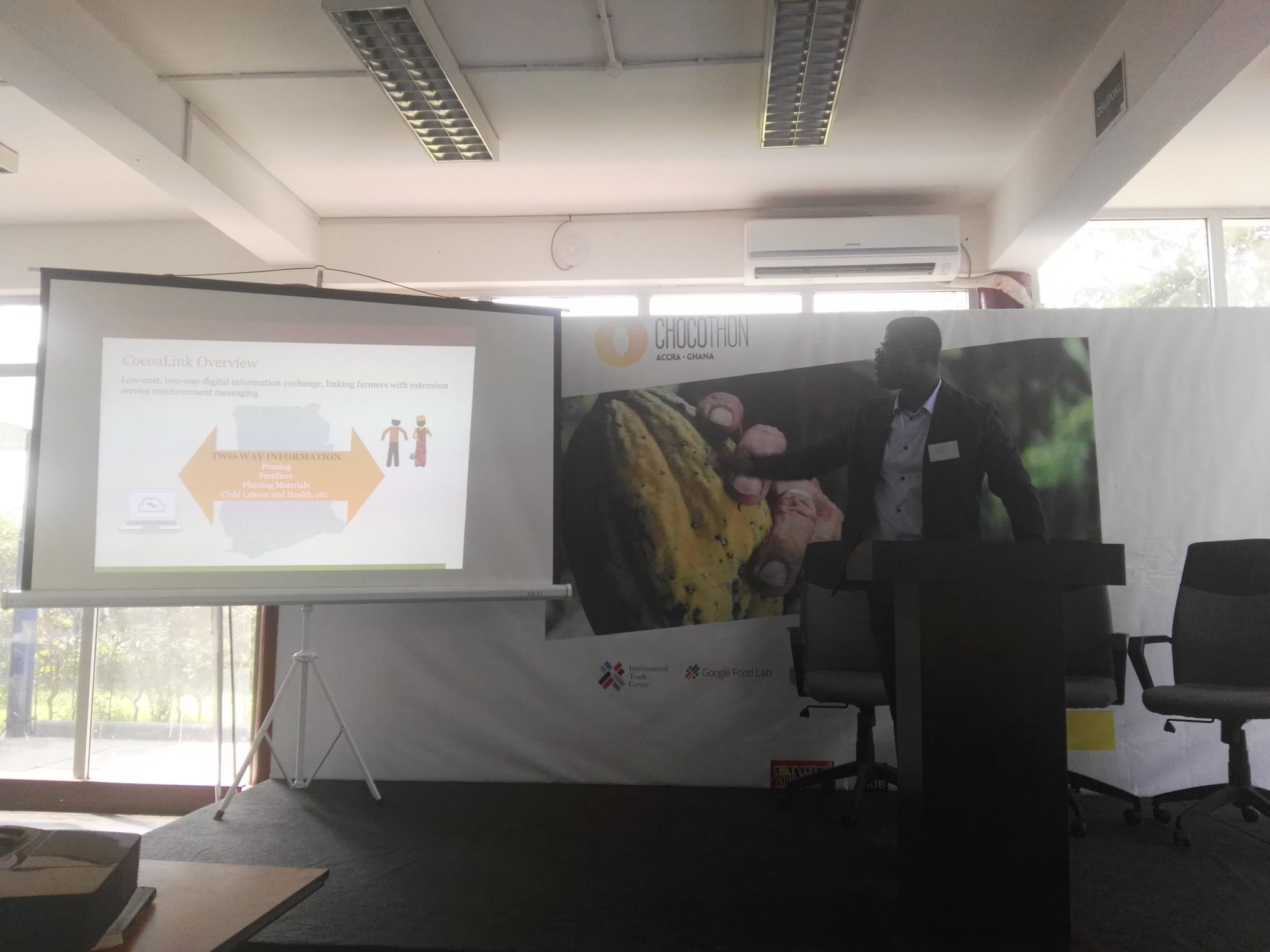 Insightful presentation by Vincent Manu of World Cocoa Foundation at #Chocothon. Strengthen cocoa value chain @WorldCocoa @ImpactHubAccra https://t.co/GA0nlluc7v