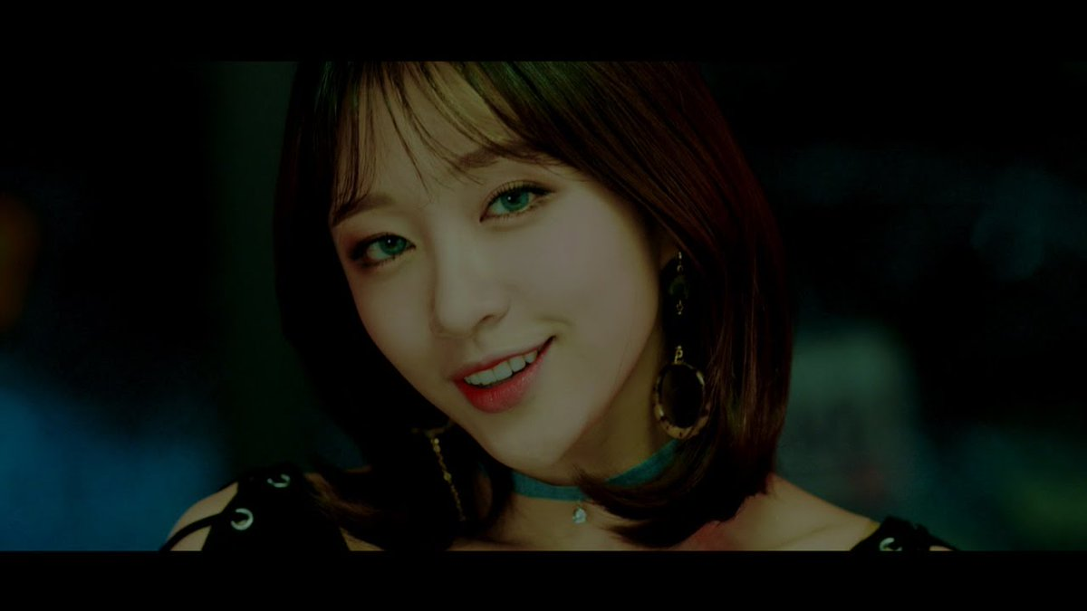 Luna, Hani, and Solar sting in MV for \'Honey Bee\' collaboration!