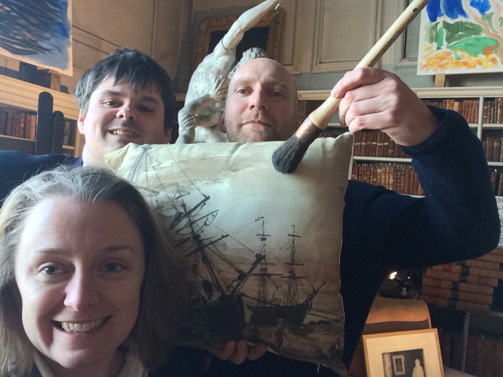 It&#39;s #museumselfie day we&#39;re having fun @PetworthNT in our annual exhibition @petersymonds @AndrewLoukes #turner <br>http://pic.twitter.com/w8MQH4Co7q
