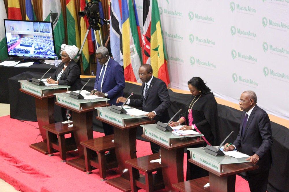#AU #Commission 5candidates 2succeed @DlaminiZuma - Pelonomi Venson-Moitoi, Moussa Faki Mahamat, Mba Mokuy, Amina Mohamed, Abdoulaye Bathily<br>http://pic.twitter.com/MW6jz1uaFm