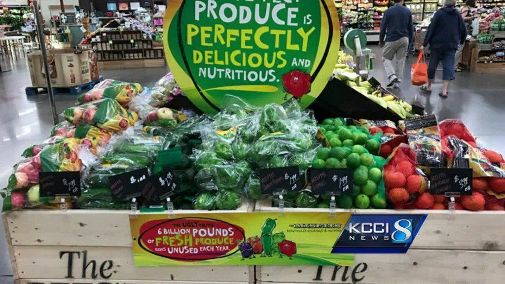 Hy-Vee offers 'ugly' produce at a discount https://t.co/f1sK0S6lTI htt...