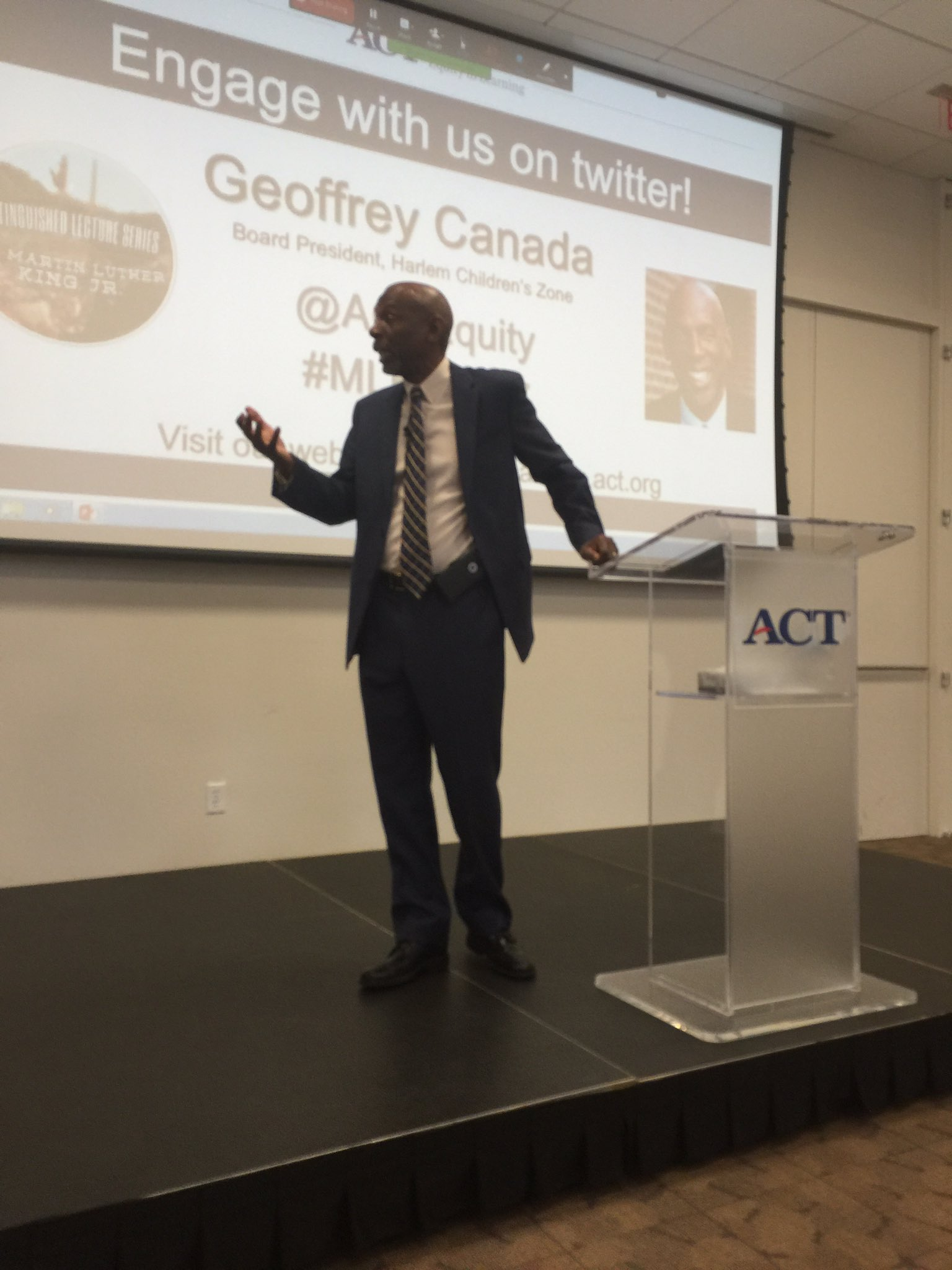 Geoff Canada gives big shout out to @RelayGSE for teaching teachers how to control and manage classrooms #MLKDay2017 @ACTEquity https://t.co/DTQqUReIYk