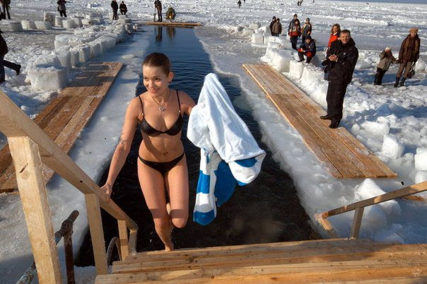 купание девушек в проруби фото видео