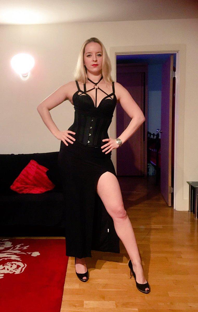 Femdom shaved high heels