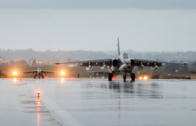 #Russia &amp; #Turkey conduct 1st joint bombing mission against #Daesh  http://www. airrecognition.com/index.php/arch ive-world-worldwide-news-air-force-aviation-aerospace-air-military-defence-industry/global-defense-security-news/global-news-2017/january/3244-russia-turkey-conduct-first-joint-bombing-mission-against-daesh.html &nbsp; … <br>http://pic.twitter.com/BmvBFMUU0s