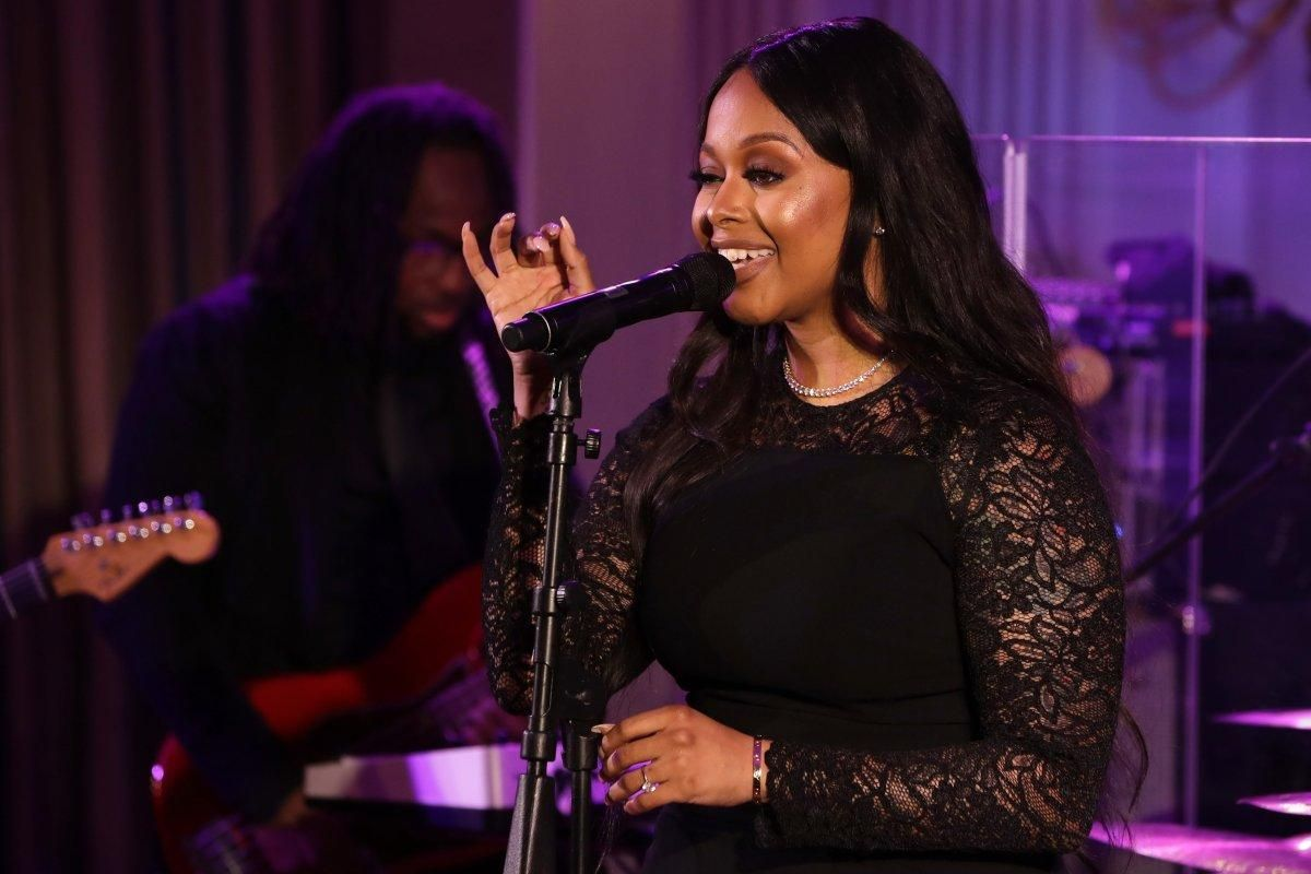 Singer @ChrisetteM set to join Donald Trump's talent starved Inauguration https://t.co/ShJx0fkJvd https://t.co/3JuBavfIbq