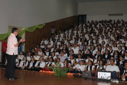 Revolución Educativa a lo grande en Trujillo ----> https://t.co/POl...
