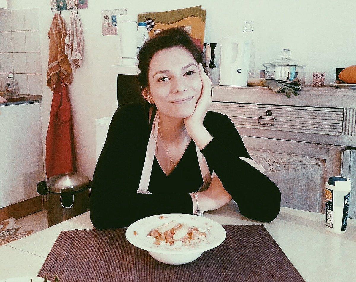 Nouvel article sur  http://www. histoiredeuxsoeurs.com  &nbsp;   ! On y parle recette poulet-coco pour étudiant fauché ! #blog #cuisine #recette #digital<br>http://pic.twitter.com/kuEz7qnE1i