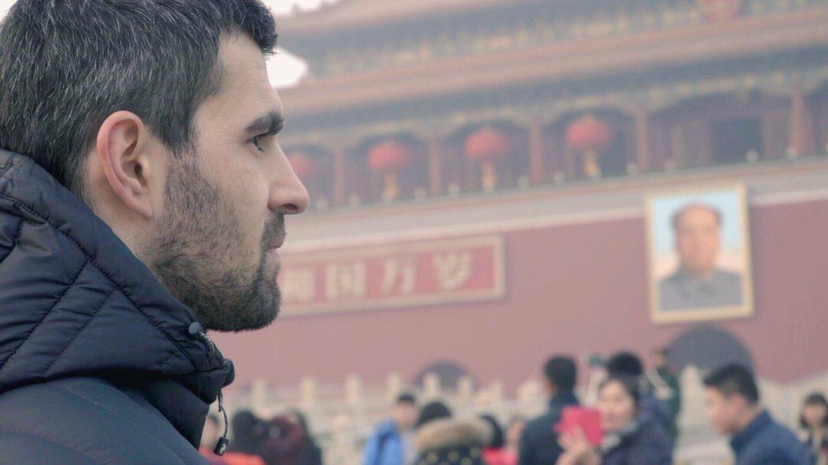 Le hockey sur glace populaire en #chine ?  @InterieurSport sur @Damienfleury10 &quot;Palet impérial&quot; par @ClementRpl demain à 22h40 sur C+ Sport<br>http://pic.twitter.com/x87wLuW12d