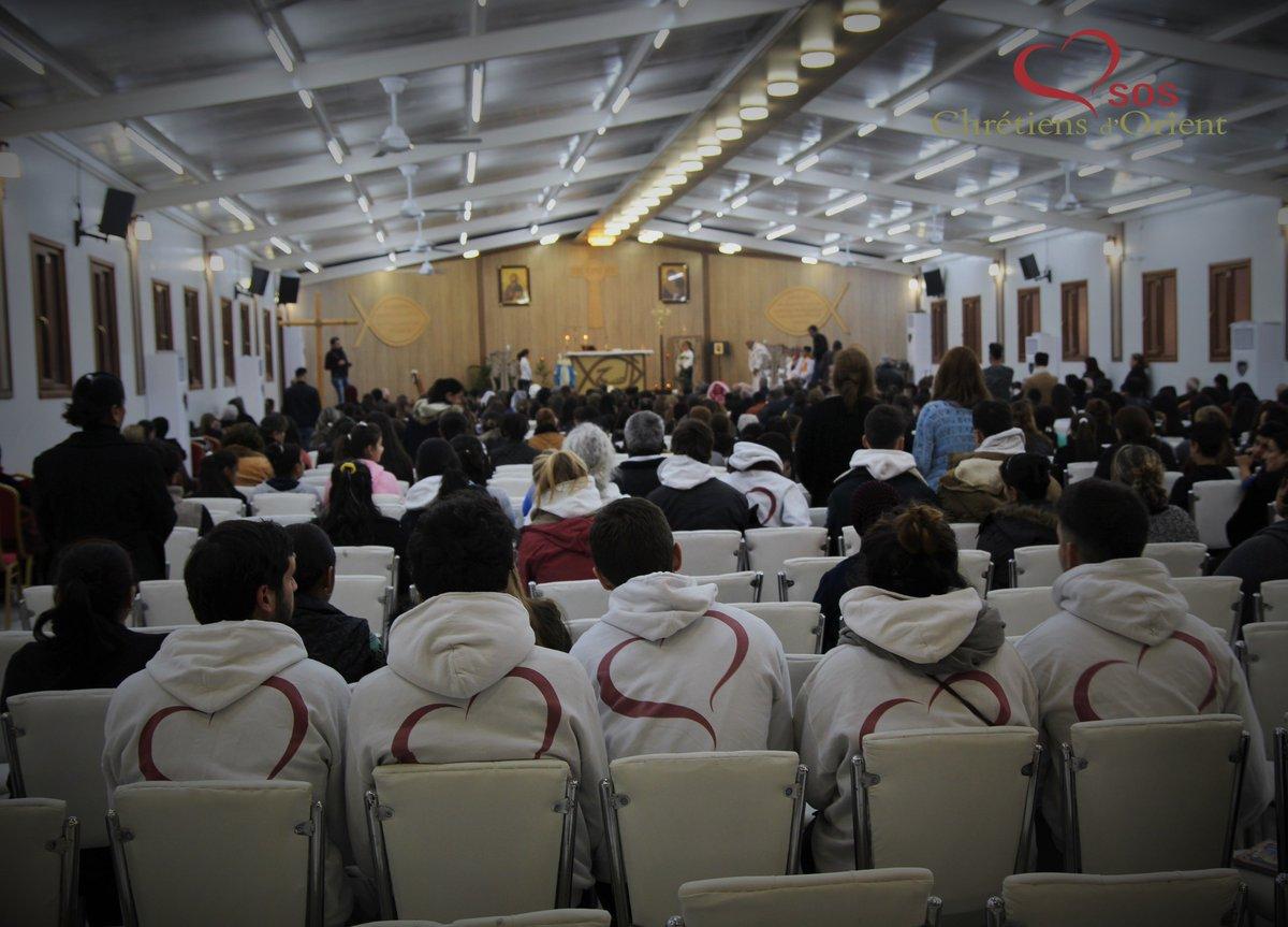 #Irak Plus que jamais, les volontaires #SOSCDO s&#39;unissent aux prières des #chrétiens déplacés pour la libération de #Mossoul  #prayforiraq<br>http://pic.twitter.com/aNWZiysJYF